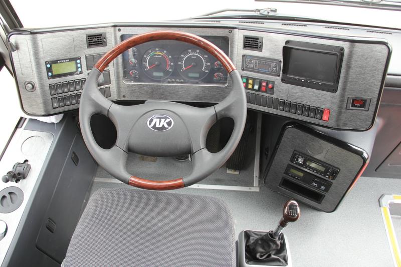 安凯12米旅游车HFF6124K40Q