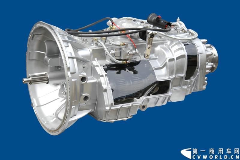 法士特携11款新产品登临2014(第十三届)北京国际汽车展览会,向国内外客户全面展示法士特最新科技成果。图为法士特20JSX200变速器。