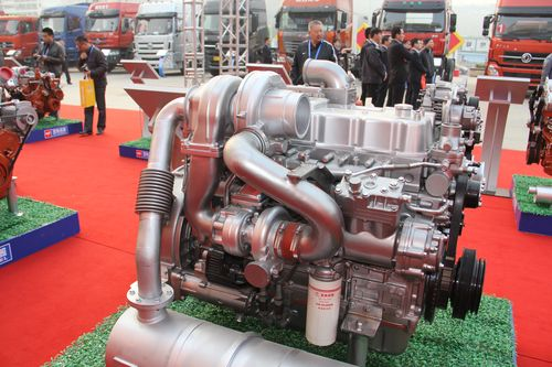 玉柴yc6l-40系列两级增压发动机图片