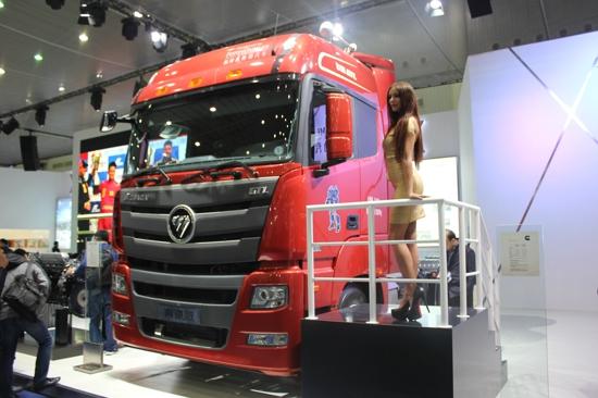 福田欧曼GTL奔驰版牵引车-现场展车直播 2015中国国际商用车展武汉高清图片
