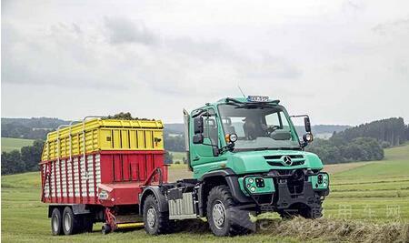 奔驰unimog与arocs亮相德国农机展