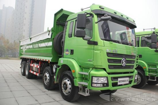 8*4新型渣土车-重卡涨27 中卡升22 轻卡小增 2月卡车市场全解读图片
