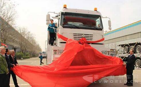 50辆油田专用全驱车在泰安五岳交付用户.jpg