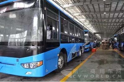 曹县至青岛大巴车照片