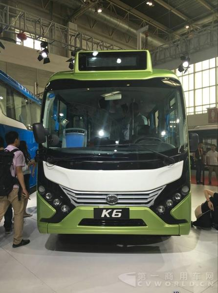 比亚迪K6纯电动客车-车展上这么多新公交车 你最想坐那辆回家高清图片