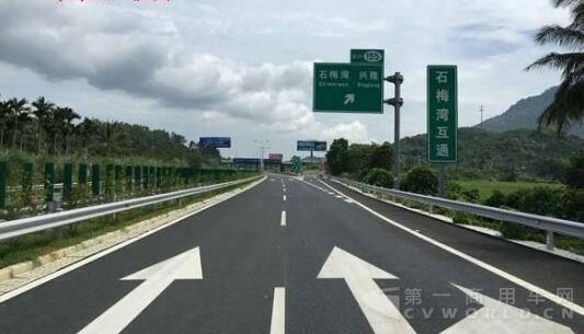 海南g98环岛高速公路预计本月底全线贯通