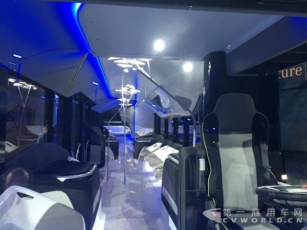 """奔驰""""未来客车""""Future Bus车厢内部-首秀汉诺威 奔驰提前发布电动高清图片"""