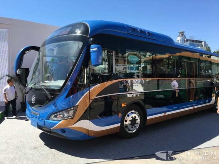 银隆钛全产业链领衔 新能源广告车首度亮相