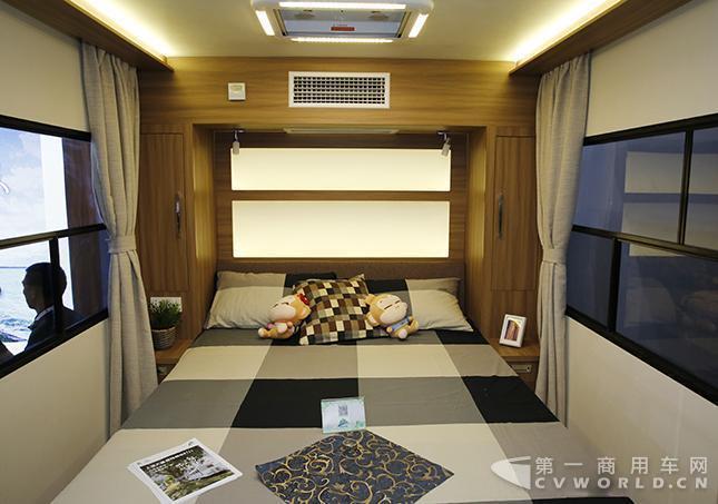 售价21.8万 上汽大通发布全新营地拖挂房车1.jpg