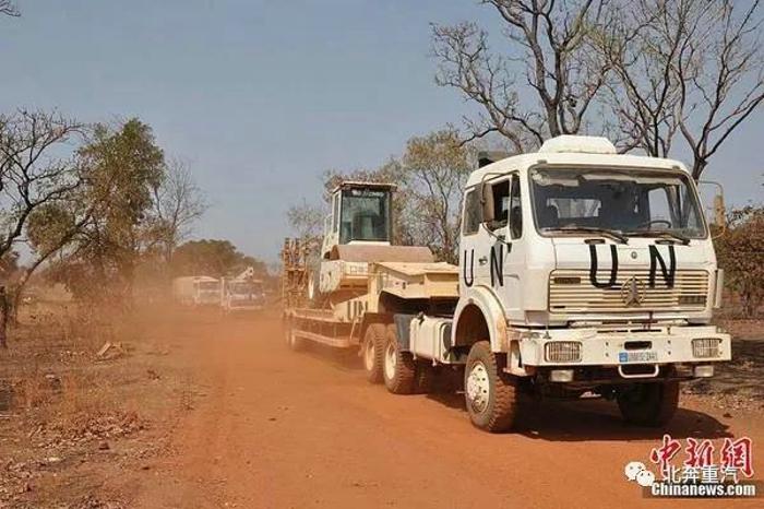 行程1300万公里,UN北奔运输车利比里亚展风采3.jpg