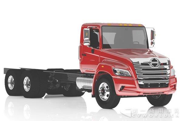 日野新长头车发布 专攻北美重型车市场2.jpg