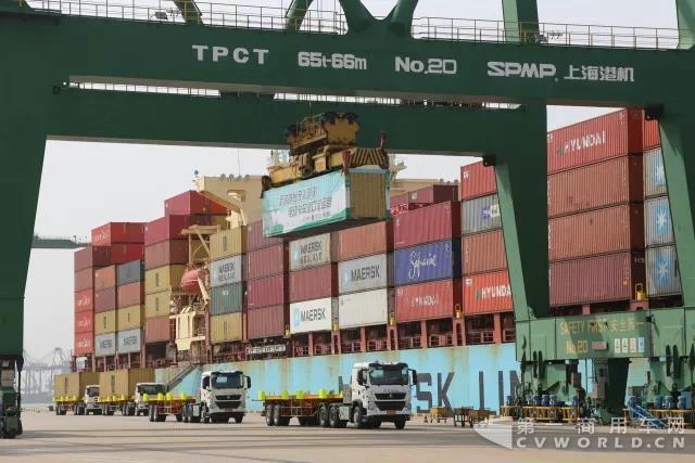 全球首台无人驾驶电动卡车开启港口试运营4.jpg