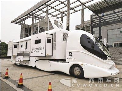 厉害了!全球首款超豪华房车在常州诞生.jpg