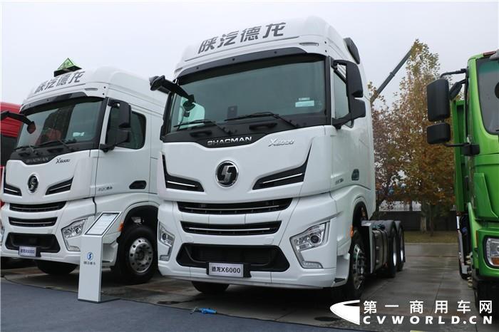 德龙X6000 660马力国六牵引车.jpg