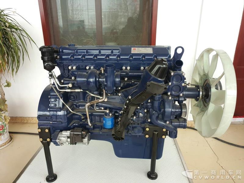 现场展示潍柴13L发动机