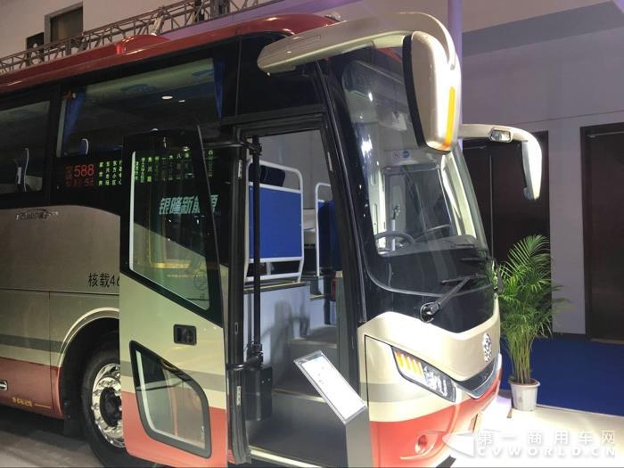 银隆11米纯电动客车