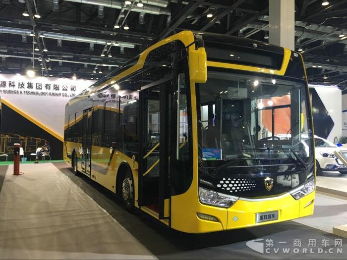 通联插电式混合动力城市客车