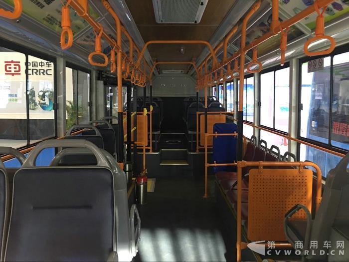 银隆12米镁铝合金纯电动公交车