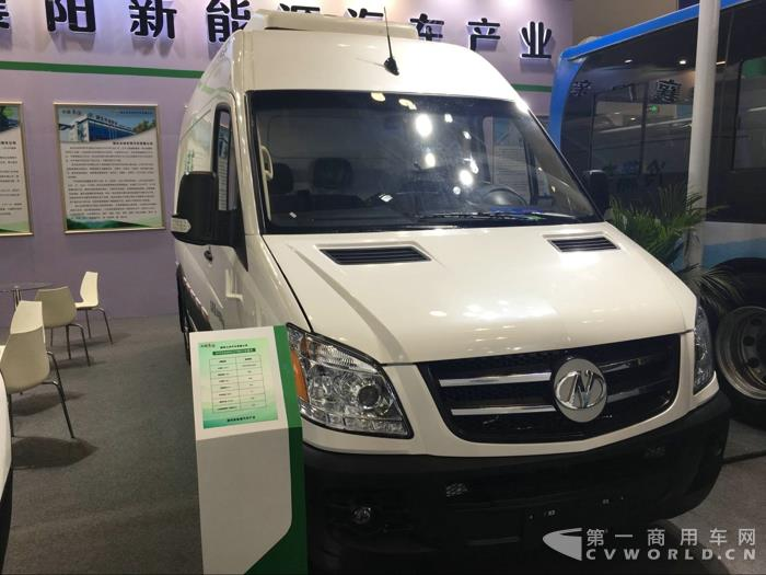 襄阳九洲带来的纯电动冷链车